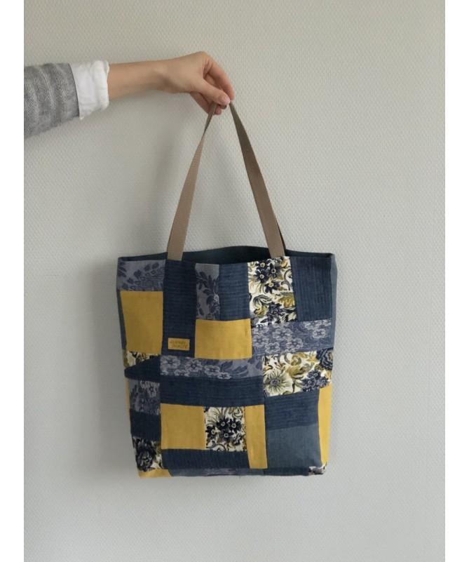 """Lininis skiautinis krepšys """"Gėlė"""""""