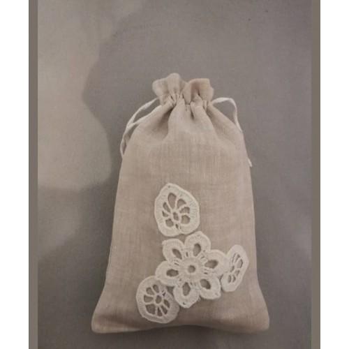 Lininis maišelis puoštas nertais motyvais (13x20)