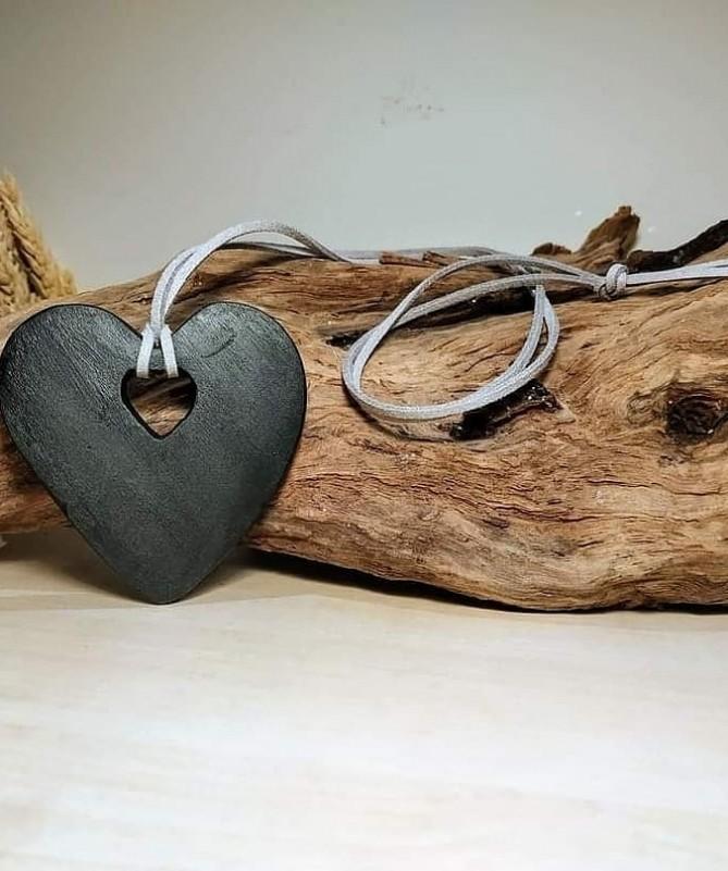 Pakabukas Širdis - Širdyje 7 cm juoda spalva