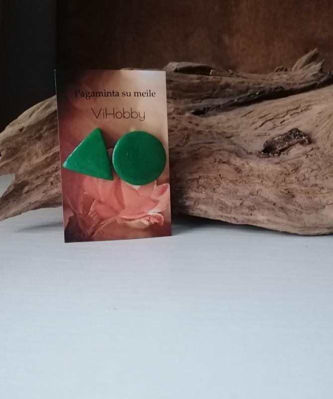 auskarai apskritimas ir trikampis žalia spalva