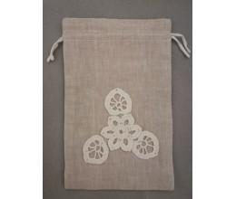 Lininis maišelis puoštas nertais motyvais (13x20) 2